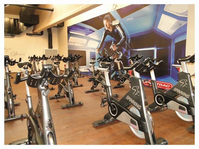 FITCITY fitnes gym urnik 8